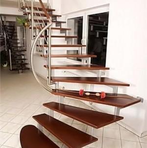 schody wewnętrzne 24